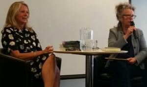Helena von Zweigberk och Kerstin Vixe samtalar