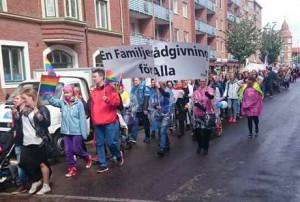 Familjerådgivningen i Halmstad deltog i Pridefestivalen – en familjerådgivning för alla!